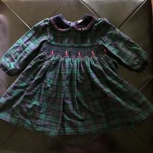 Other - Long sleeve smocked dress